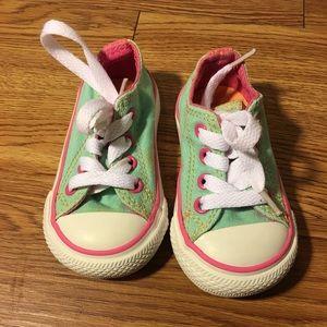 Lo-Top Converse Sneakers